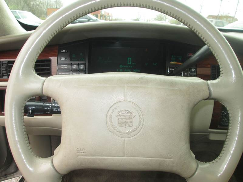 1995 Cadillac DeVille Concours 4dr Sedan - Maple Heights OH