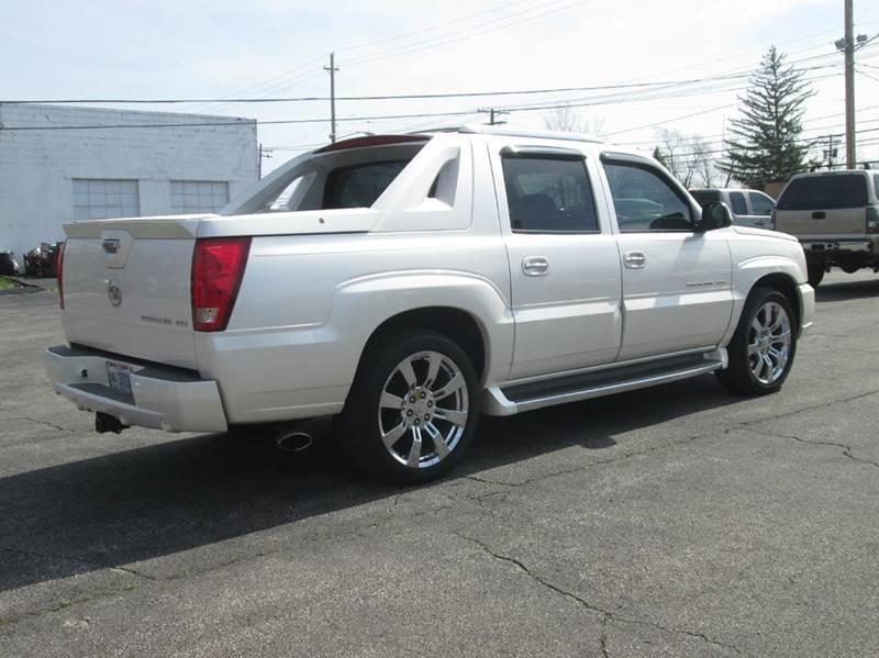2004 Cadillac Escalade EXT AWD 4dr Crew Cab SB - Maple Heights OH