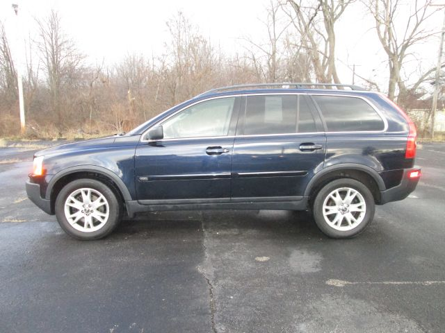 2005 volvo xc90 v8 awd 4dr suv for sale in maple heights aurora bath central motorcars. Black Bedroom Furniture Sets. Home Design Ideas