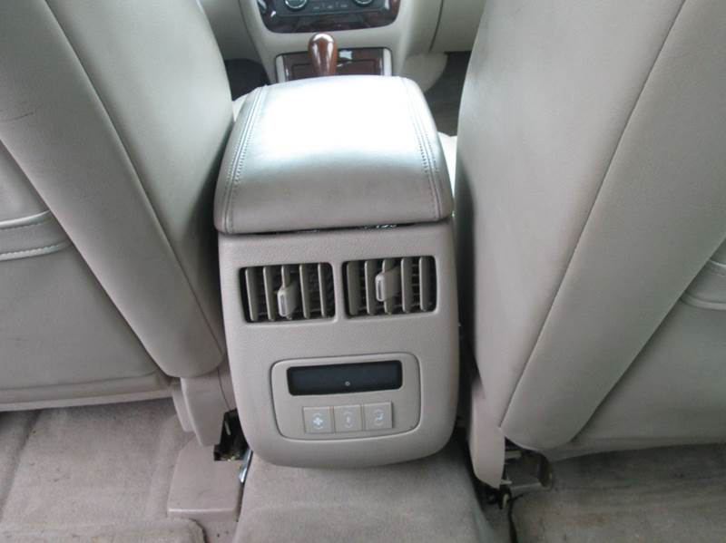 2006 Cadillac DTS Performance 4dr Sedan - Maple Heights OH
