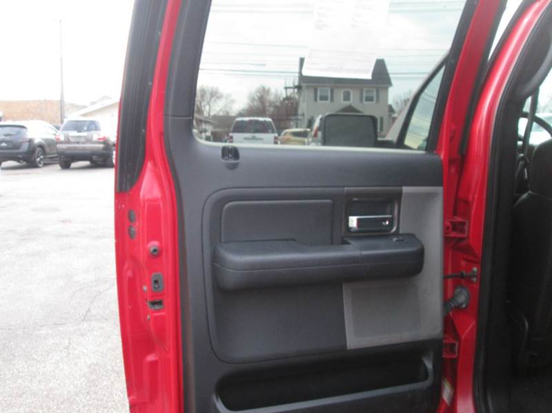 2005 Ford F-150 FX4 4dr SuperCrew 4WD Styleside 5.5 ft. SB - Maple Heights OH