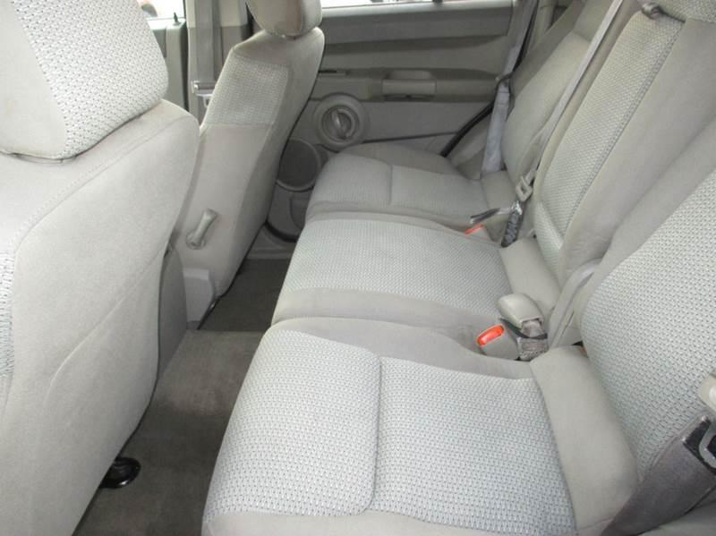 2006 Jeep Commander 4dr SUV 4WD - Mishawaka IN