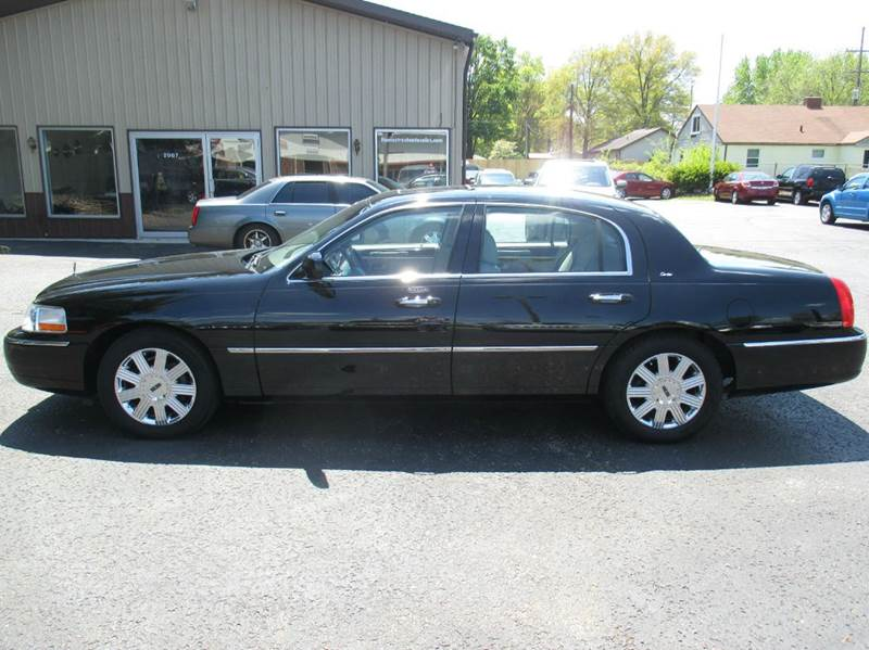 2003 Lincoln Town Car Cartier 4dr Sedan - Mishawaka IN