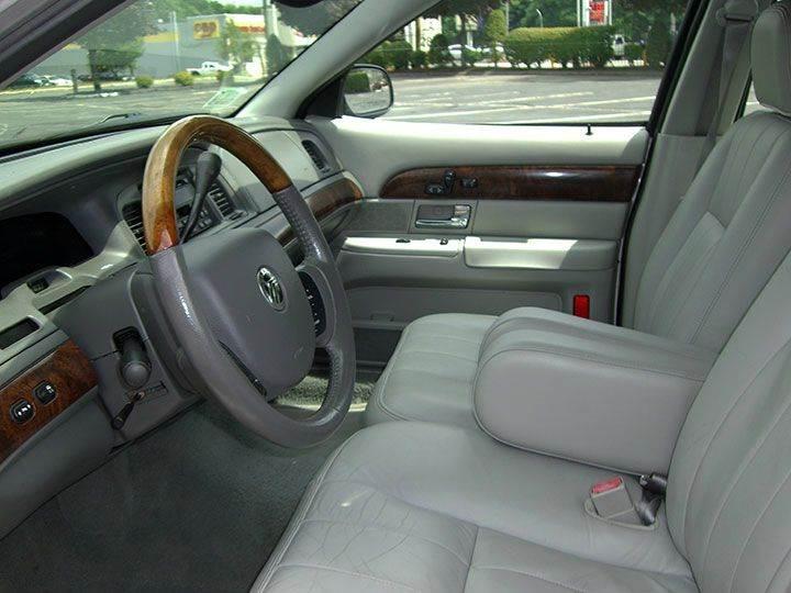 2005 Mercury Grand Marquis LS Premium 4dr Sedan - Springfield MA
