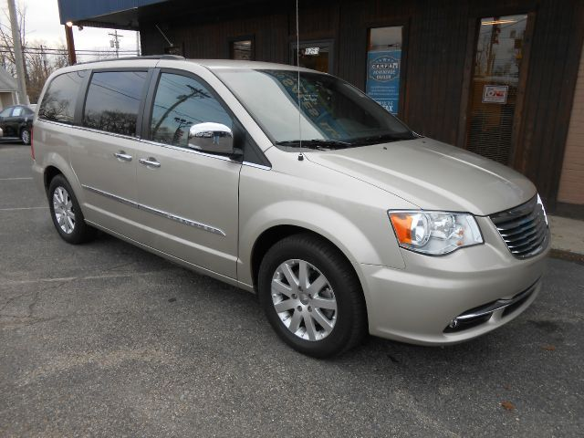 2012 Chrysler Town and Country for sale in Westchester OH