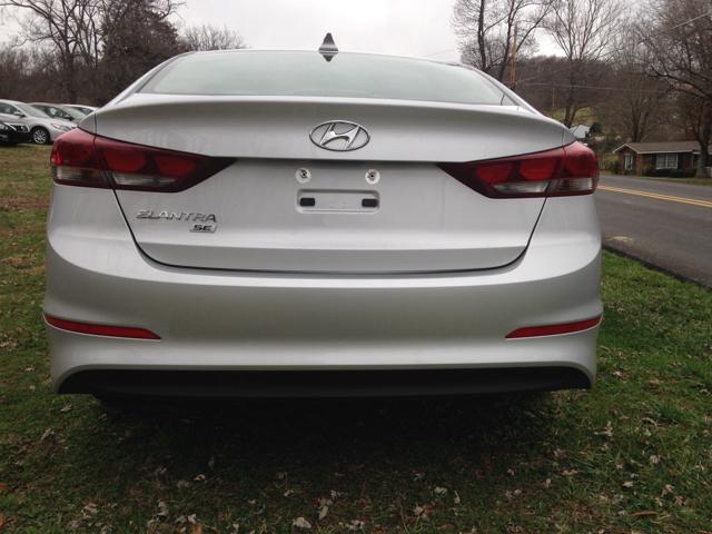 2017 Hyundai Elantra SE 4dr Sedan 6A - Elizabethton TN