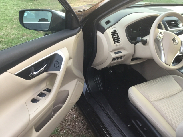 2016 Nissan Altima 2.5 S 4dr Sedan - Elizabethton TN
