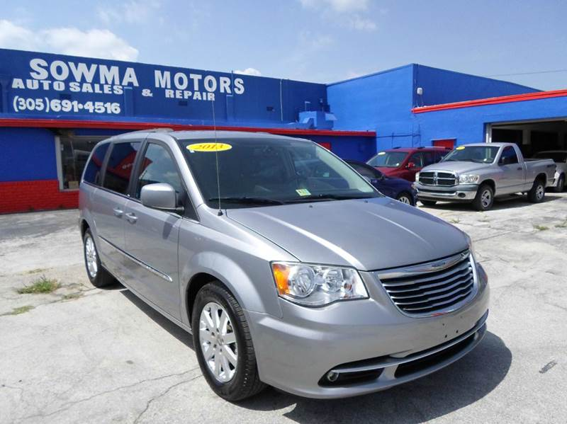 2013 chrysler town and country touring 4dr mini van in miami fl sowma motors inc. Black Bedroom Furniture Sets. Home Design Ideas