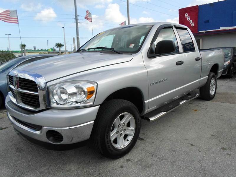2007 dodge ram pickup 1500 slt 4dr quad cab 4wd sb in miami fl sowma motors inc. Black Bedroom Furniture Sets. Home Design Ideas