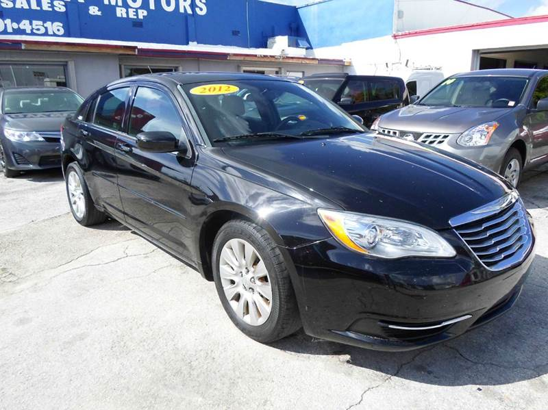 2012 chrysler 200 lx 4dr sedan in miami fl sowma motors inc. Black Bedroom Furniture Sets. Home Design Ideas