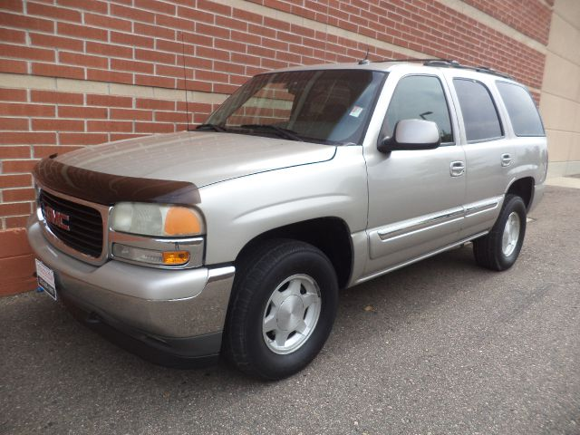 2005 GMC YUKON 4WD silver 2005 gmc yukon 4x4 v8 power seat power windows power mirrors cd play