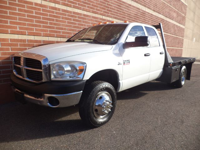 2007 DODGE RAM 3500 QUAD CAB 4WD FLAT BED white 2007 dodge ram 3500 diesel 4x4 67l v8 dually f