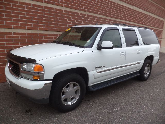 2005 GMC YUKON XL white 2005 gmc yukon slt 53l v8 4x4 leather power seats power windows cd