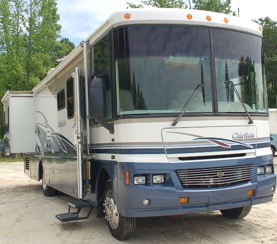 2003 Winnebago Chieftain