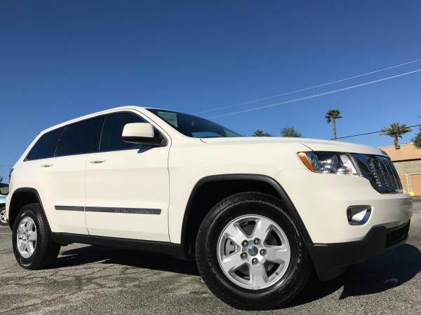 2012 JEEP GRAND CHEROKEE LAREDO 4X4 4DR SUV white all four brand new tires 4x4 clean must see