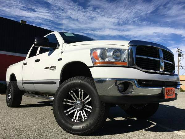 2006 DODGE RAM PICKUP 2500 SLT 4DR QUAD CAB 4WD LB white 4wd type - part time 5-speed automatic