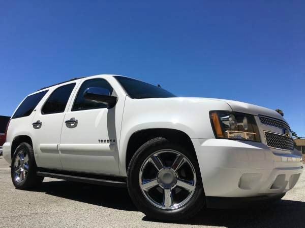 2008 CHEVROLET TAHOE LTZ WNAVIDVD white 2nd row 6040 bench seat 3rd row removable vinyl 5050