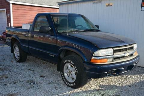 2000 Chevrolet S-10 for sale in Madison, IL
