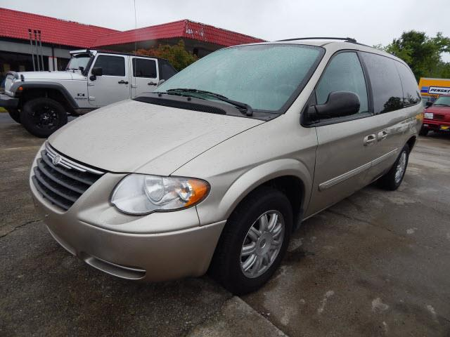 2007 Chrysler Town and Country Touring 4dr Extended Mini-Van - Murfreesboro TN