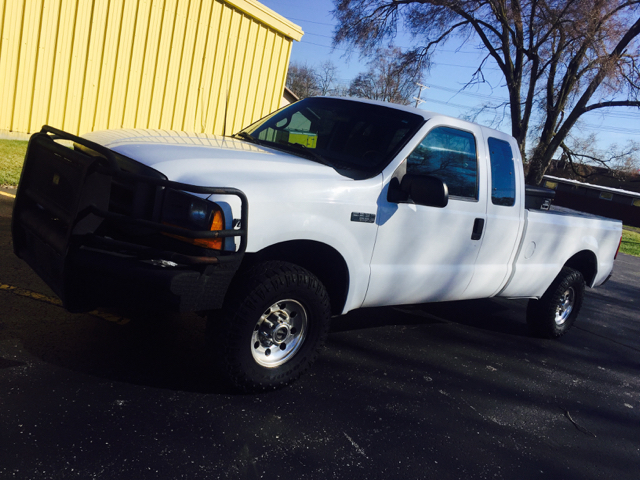 2000 Ford F-250 Super Duty XLT 4dr 4WD Extended Cab LB - Mishawaka IN