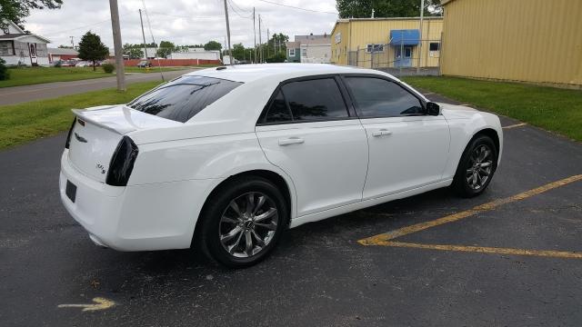 2014 Chrysler 300 S AWD 4dr Sedan - Mishawaka IN