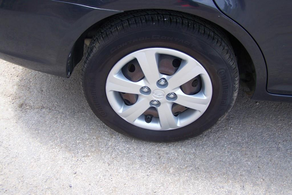 2010 Hyundai Accent GLS 4dr Sedan - San Antonio TX