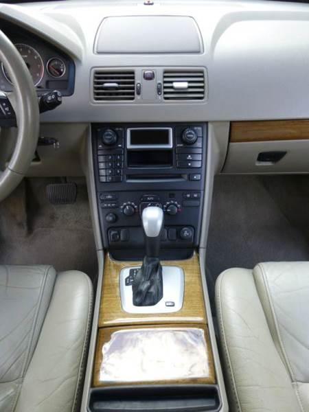 2004 Volvo XC90 2.5T 4dr Turbo SUV - Altadena CA