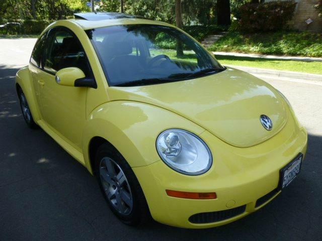 2006 Volkswagen New Beetle 2.5 PZEV 2dr Hatchback (2.5L I5 6A) - Altadena CA