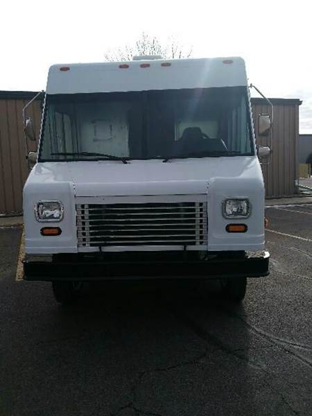 2006 Freightliner MT45 Utilimaster P850 - Sioux Falls SD