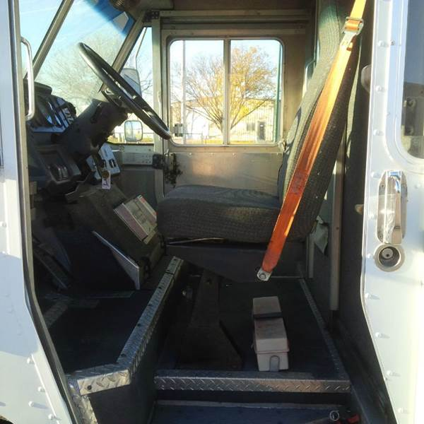 1997 Freightliner MT45 Wide Body  Utilimaster P700 - Sioux Falls SD