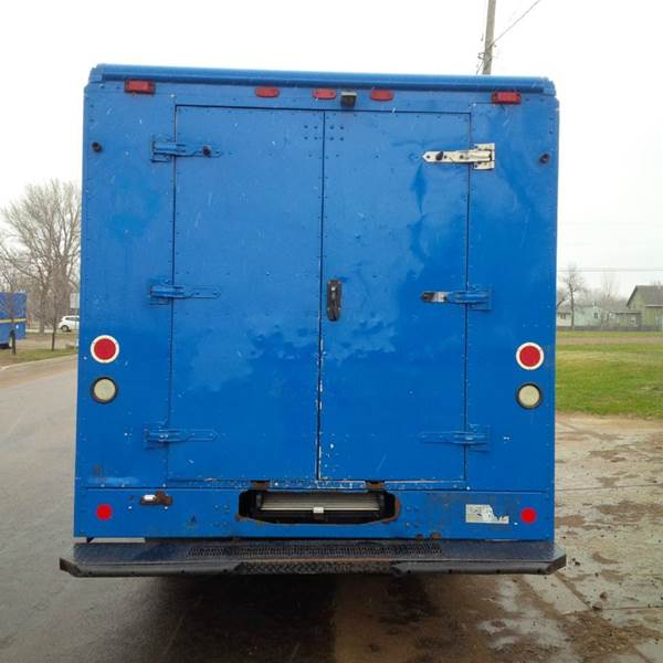 2006 Freightliner MT45 Utilimaster P800 - Sioux Falls SD