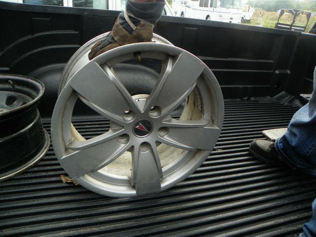 2002 Pontiac WHEELS