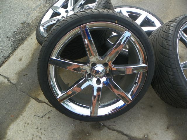 2008 20INCH CHROME WHEELS 4 TIRES AND WHEELS