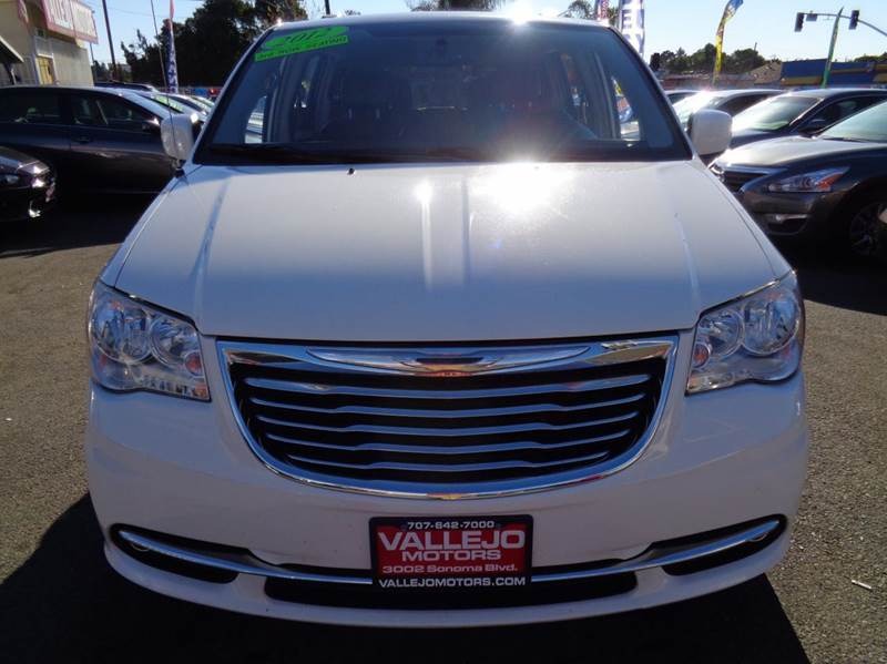 2012 Chrysler Town And Country Touring 4dr Mini Van In