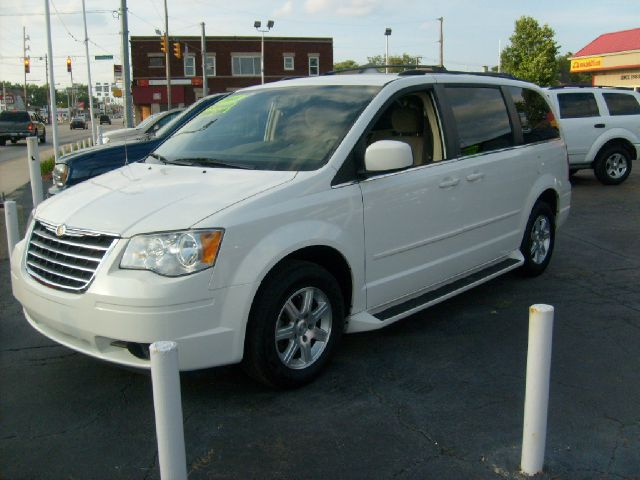 2008 Chrysler Town and Country for sale in Hammond IN