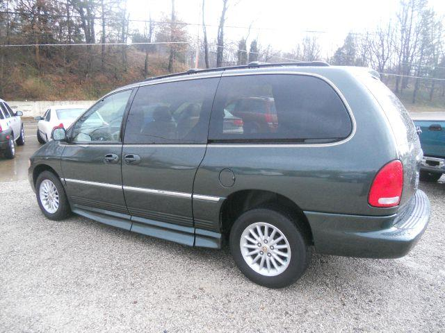 2000 Chrysler Town & Country LXI Handicap Braun Entervan - Uniontown OH