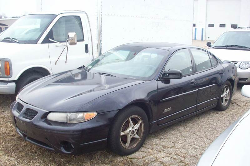 2000 pontiac grand prix 4dr gtp supercharged sedan in rockford il chase 8 auto sales. Black Bedroom Furniture Sets. Home Design Ideas