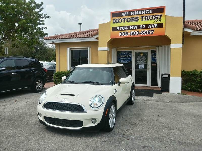 2010 MINI COOPER S 2DR HATCHBACK white 2-stage unlocking doors abs - 4-wheel air filtration ai