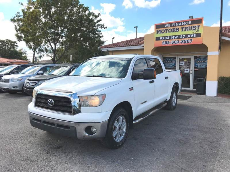 2008 TOYOTA TUNDRA SR5 4X2 4DR CREWMAX SB 57L V8 white 2-stage unlocking doors abs - 4-wheel