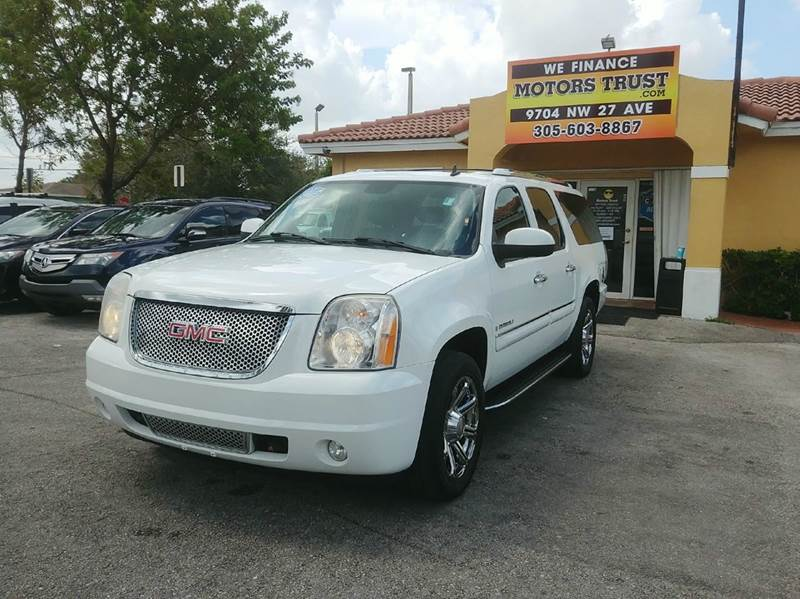 2007 GMC YUKON XL DENALI AWD 4DR SUV white 2-stage unlocking doors 4wd type - full time abs - 4-