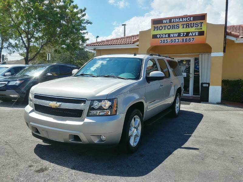 2007 CHEVROLET SUBURBAN LT 1500 4DR SUV gold 2-stage unlocking doors abs - 4-wheel airbag deact