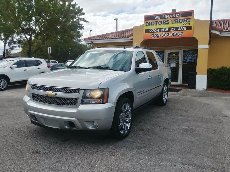 2010 CHEVROLET AVALANCHE LTZ 4X2 4DR PICKUP silver 2-stage unlocking doors abs - 4-wheel active