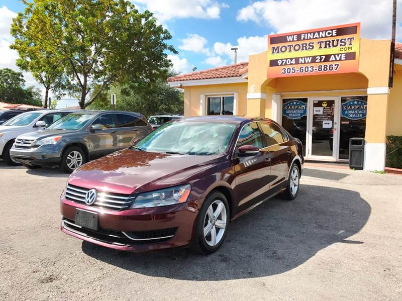 2013 VOLKSWAGEN PASSAT SE PZEV 4DR SEDAN 6A 2-stage unlocking doors abs - 4-wheel active head re