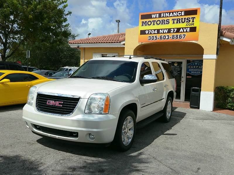 2011 GMC YUKON SLT 4X2 4DR SUV pearl 2011 gmc youkon slt  navigation dvd sunroof 3rd row well