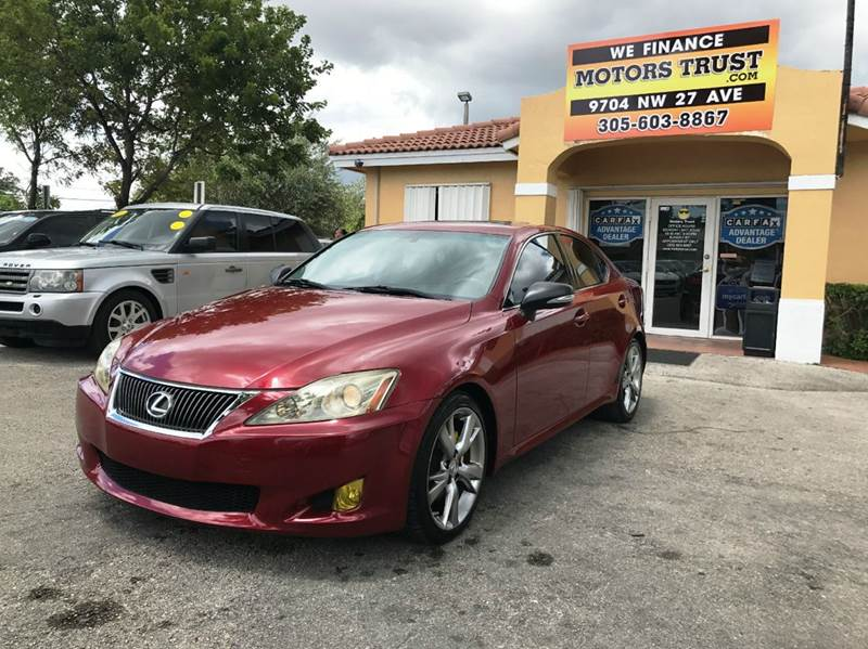 2009 LEXUS IS 250 BASE 4DR SEDAN 6A burgundy 2009 lexus is250  well kept looks and runs great c