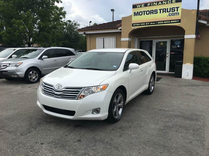 2009 TOYOTA VENZA FWD V6 4DR CROSSOVER pearl 2009 toyota venza jbl sound  leather well kept lo