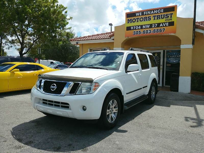 2011 NISSAN PATHFINDER LE 4X2 4DR SUV pearl 201 nissan pathfinder le  premium with 3rd row leathe