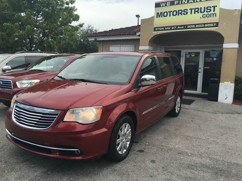2011 CHRYSLER TOWN AND COUNTRY TOURING-L 4DR MINI VAN red 2011 chrysler town country limited  lea