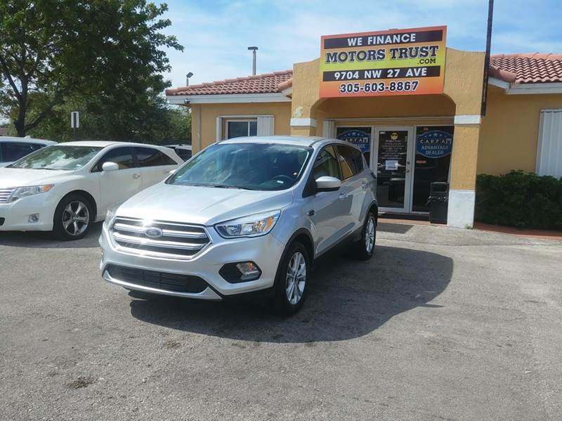 2017 FORD ESCAPE SE 4DR SUV silver 2-stage unlocking doors abs - 4-wheel active grille shutters