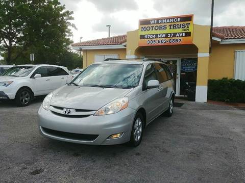 2009 Toyota Sienna for sale in Miami, FL